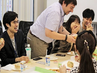 https://iishuusyoku.com/image/社内にはコンサルタントだけではなく、デザイナーやエンジニアなど各職種のプロが集まり情報共有のために、頻繁に打ち合わせも行います。