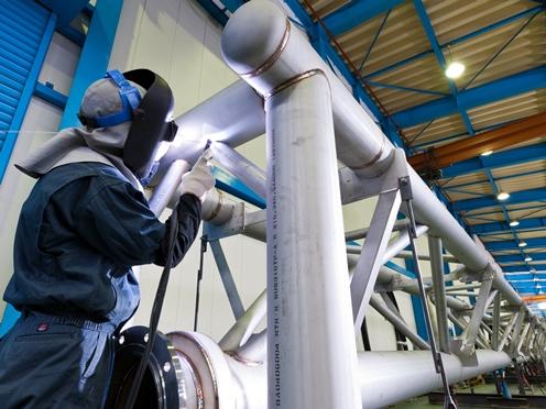 http://iishuusyoku.com/image/岐阜、姫路と2つの主力工場があり、 日本全国からのオーダーに高い品質で応えています。高精度の設備機器と熟練の技術が融合しており、常に厚い信頼が寄せられています。