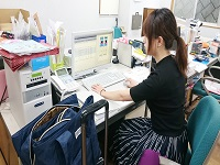 http://iishuusyoku.com/image/企画からデザインまで企画職が担当します。あなたのデザインスキルを活かして新しい商品を生み出してくださいね。