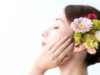 https://iishuusyoku.com/image/創業以来の中核事業である美容関連製品のOEM生産。これまでに1000点を超える製品を提供し、ボディメイクパッドという大ヒット商品も生み出してます。