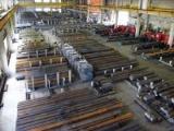 ドイツ・カスト社製の大型自動倉庫を有しています。同社で提供された特殊鋼は、自動車などのパーツ部分などに使われています。ものづくりに必要不可欠な材料を提供しています。
