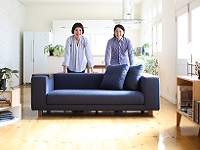 日本の職人の技術を育み、安心・安全・高品質なソファづくりに一途な気持ちで取り組んでいます。