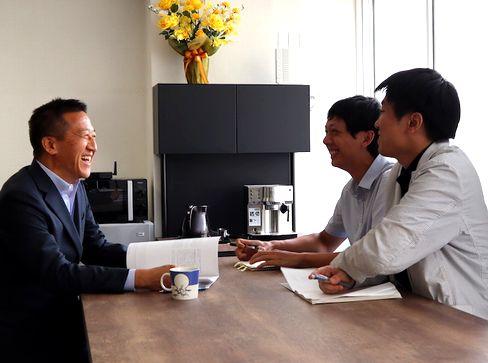 http://iishuusyoku.com/image/チームワークが良く、少数精鋭の環境で技術を磨けます。社長と社員の距離も近いため、自身のアイデアの実現や技術力を試し、また学ぶことでスキルを高めることができる環境があります。