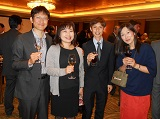https://iishuusyoku.com/image/日本法人設立40周年イベントでの写真です。外資系ですが、日本企業ならではのアットホームな社風も持ち合わせます。