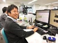http://iishuusyoku.com/image/エンジニアの先輩です。自社開発ですので、お客様とコミュニケーションを取りながら開発することができます。