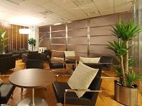 https://iishuusyoku.com/image/来客対応のほか、社内のミーティングを行うラウンジや、バーカウンター、カフェなどが社内にあります!