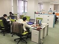 https://iishuusyoku.com/image/駅からすぐ、広々とした明るいオフィスです。フロアにはセミナースペースも併設しています!