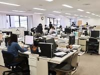 20代の若手から50代のベテランまで幅広い年代が揃う、アットホームなオフィスです。
