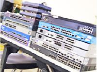 https://iishuusyoku.com/image/サーバをはじめとするネットワーク機器を初めて見た!という先輩たちも、いまや立派なエンジニアに!