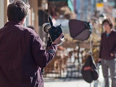 https://iishuusyoku.com/image/未経験OKです!社外研修も受講可能!アシスタントからスタートしてプロを目指せるカメラマンです◎