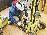 http://iishuusyoku.com/image/お客様にレンタルする機器の部品交換を行います。機械知識がなくても覚えられますので安心してくださいね。