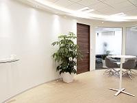 https://iishuusyoku.com/image/オフィスはJR東京駅から徒歩圏内とアクセス良好。移転したばかりの新しいオフィスです。