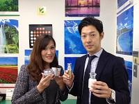 https://iishuusyoku.com/image/OEM商品の先輩です。自分が開発したプロデュース商品が店頭に並びヒット商品となることは、この上ない喜びですよ。