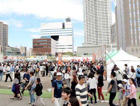 https://iishuusyoku.com/image/大手飲食メーカー・TV放送局・食べログなどとタッグを組んで、「食」×「音」をコラボさせた関西最大級のフードフェスを主催!累計30万人の来場でメディアも多数取材があり話題沸騰中です!