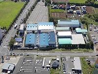 https://iishuusyoku.com/image/同社の一貫体制を最大限に活かせる機能性に重視しレイアウトされた工場棟。地球環境にも配慮しています。