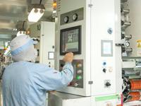 http://iishuusyoku.com/image/南アルプス工場の工場内。最新鋭の印刷システムを導入しています。