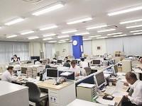 https://iishuusyoku.com/image/明るい本社オフィス。20代の先輩も活躍中!明るくアットホームな社風です。