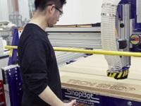 https://iishuusyoku.com/image/ショップ内には、本格的な工作機械がズラリ!金属や木材加工機器、3Dプリンタなどの機械を定額料金で誰もが使い放題!
