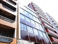 http://iishuusyoku.com/image/中目黒にある自社ビル(本社)。全国各地に営業所、サービスセンターを設置しています!