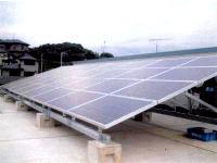 太陽光発電は、地球温暖化の原因とされるCO2の排出量が少ない新エネルギーとして世界的に注目を集めています。