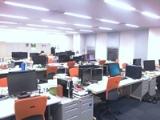 広々としたオフィスは開放感があり開発に専念できる環境です。経験豊富な先輩方がすぐ側にいますので、どんどん知識や技術を吸収していきましょう!