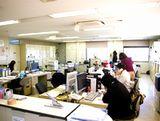 https://iishuusyoku.com/image/平均年齢は41.4歳。20代〜50代まで幅広い年代の社員がそろっています。また、平均勤続年数は長く、アットホームな社風で安心して勤められますよ。