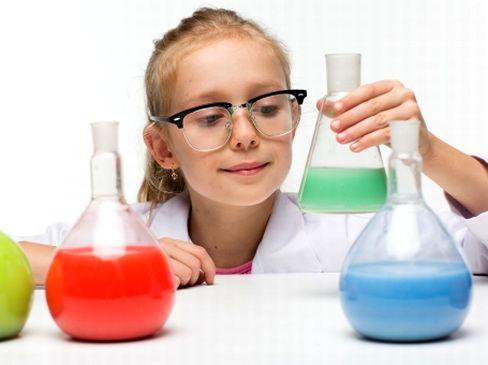 三菱ガス化学グループの化学製品を扱う専門商社として誕生してから60年以上!時代の移り変わりに対応しながら、常に高品質の商品を調達・供給してきたことで安定的な経営を続けています。