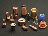 創業時より抵抗溶接用電極の製造を通して、銅の加工技術の開発、確立、その継承の歴史を積み上げ、現在もその技術を磨き続けています。