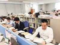 http://iishuusyoku.com/image/オフィスは大阪の人気エリアからすぐ!通勤便利な立地、広々とした空間で、働きやすさも抜群です!