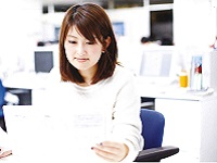 https://iishuusyoku.com/image/ホームページ改訂などの大きな仕事も任されています!手をあげた人に仕事を任せる風土があり、チャンスの多い職場です。