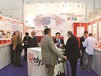 https://iishuusyoku.com/image/展示会にも出展。同社が開発する新しい印刷技術や新素材の発表は、多くの産業から注目を得ています!