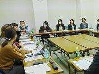 https://iishuusyoku.com/image/事務担当者会議の様子です。社員の25%が女性社員!女性が長く働ける会社であり、いきいきと活躍できる会社です!