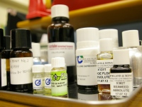 https://iishuusyoku.com/image/海外からサンプルを取り寄せ、香料メーカーのニーズに合う原料を探していきます。