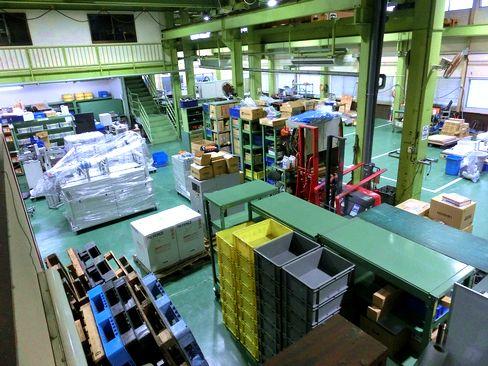 http://iishuusyoku.com/image/生産現場で使われるさまざまな産業装置を通して、日本のモノづくりを支えてきた同社。日本を代表する大手メーカーの工場でも同社の産業装置が多数活躍しています。