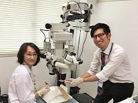 http://iishuusyoku.com/image/眼科医師(ドクター)とのコミュニケーションが大切。最初は緊張しますが、通い詰めているうちに仲良くなれますよ!