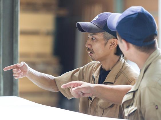 レゴランドジャパンや昭和基地にも使われ、大手ハウスメーカーからも評価される技術を保有する内装建築材加工企業です。