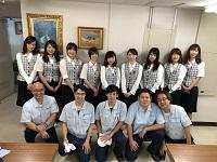 https://iishuusyoku.com/image/本社での事務業務を担う、バックオフィススタッフ。抜群のチームワークとサポート体制で、会社の業務全体を支えています!
