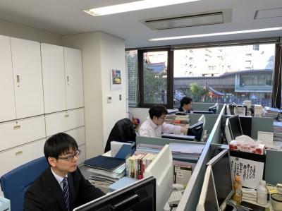 各専門分野のコンサルタントが多数在籍しています。プロジェクトはチームを組んで進めていきます。