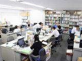 https://iishuusyoku.com/image/オフィスの様子です。一般的な企業と比べ、かなり落ち着いた雰囲気なのが特徴です。業界経験は一切問わずイチから教えていきますので、未経験の方もご安心くださいね。