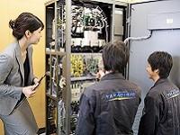 文系出身でも大丈夫!入社後は電源装置の基礎から学ぶ商品研修や営業同行など充実した研修を用意しています!