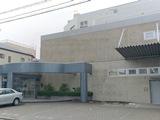 本社は名古屋市内にあり、製作拠点も併設されています。最寄り駅から徒歩圏内でアクセスは良い環境です。また本社ではマイカー通勤も可能です!