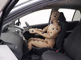 http://iishuusyoku.com/image/人間にとって最も心地よい自動車内環境を調査するための実験の様子です。このような実験にも同社の製品が活躍しています!