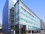 大阪市内・最寄り駅から徒歩1分!おしゃれなガラス張りのデザインが自慢の自社ビル勤務です♪
