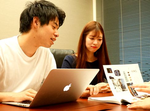 https://iishuusyoku.com/image/コンテンツSEOに特化して、クライアントのWebサイトの検索順位向上に貢献!Googleなどの検索エンジンから、Webページへのユーザー流入を増やすSEOコンサルティングを行っています。