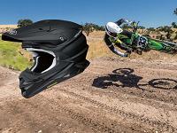 バイク好きなら誰もがあこがれる、プレミアムヘルメットの世界トップメーカーです!