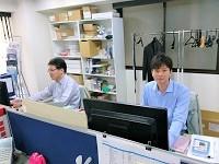 アットホームな社風で残業も少なく働きやすい環境が整っているので、じっくりと長期的に自分自身のキャリアを築いていけますよ。