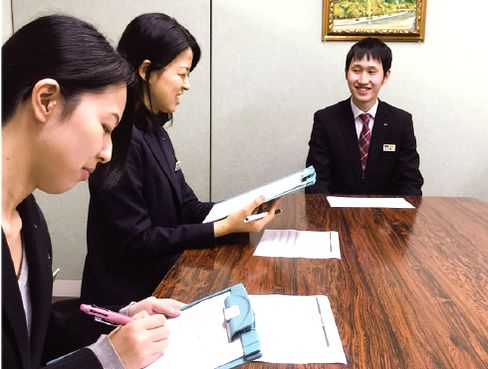 http://iishuusyoku.com/image/100年以上の歴史を重ねながら、国内でも確固たる事業基盤を築いている同社。研修・教育制度も充実しており、一人ひとりのキャリア形成を大切にしています。