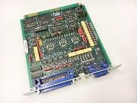 1つの電子基板の上に最低でも100以上の半導体・電子部品が乗っています。この小さい部品が、取り扱う商材です。