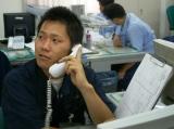 https://iishuusyoku.com/image/翌日の値段を予想。相場を読む仕事は決して簡単な作業ではありません。表情も真剣です。