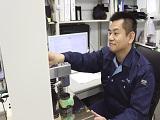 https://iishuusyoku.com/image/同社の計測機を使えば、麺類のコシ、ガムの噛み心地、グミの弾力性まで計測が可能なんですよ!
